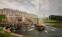 Viaggio virtuale a San Pietroburgo e nel parco di Peterhof