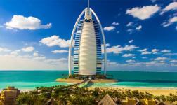 Lo splendore di Dubai, di un nitido senza precedenti