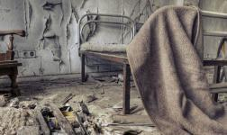 La desolazione di un manicomio in un timelapse tetro