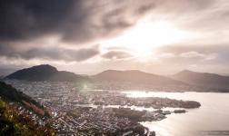 La città tra 7 montagne: Bergen in timelapse