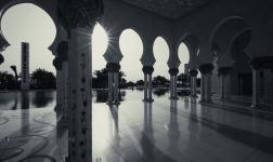 Viaggio ad Abu Dhabi, nel cuore della Grande Moschea dello Sceicco Zayed